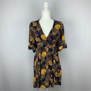 BETSEY JOHNSON NEW YORK Floral Ruffle Kimono Dress